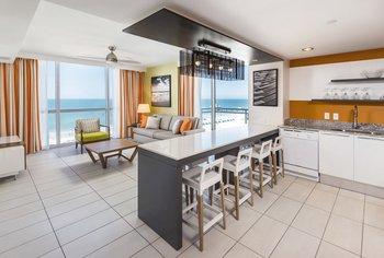 Photos of Wyndham Clearwater Beach Resort
