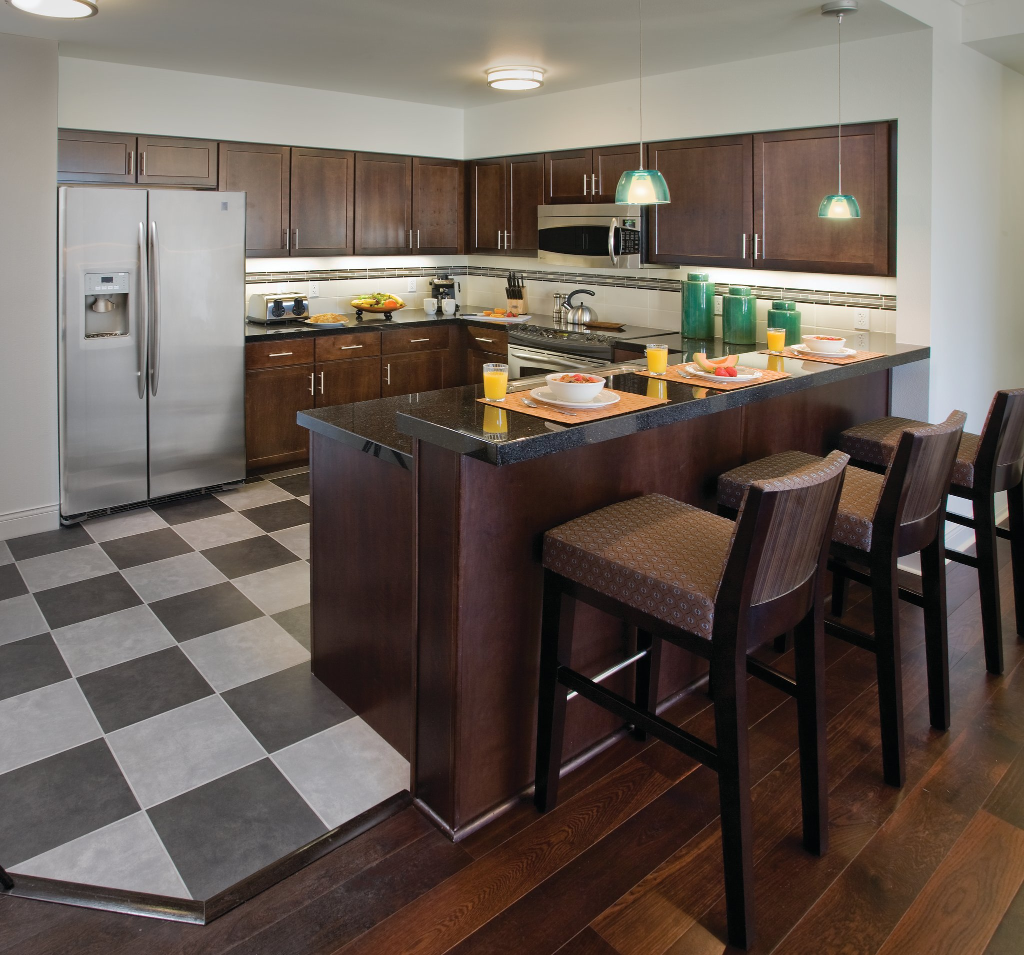 Wyndham Apartments: Nearby Things To Do